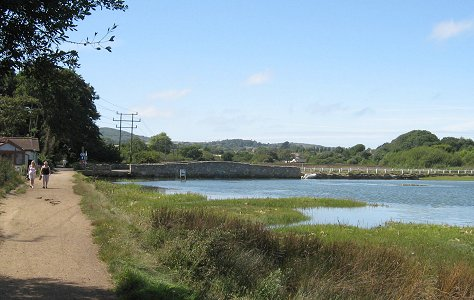 The Causeway - River Yar walk